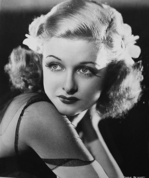 wehadfacesthen:  Joan Bennett, 1930s via vintagemarlene  (source: david-paris.blogspot.com)