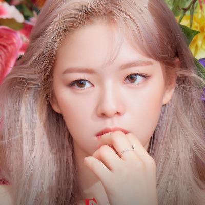 #jeongyeon#jeongyeon icons#icons#twice#twice icons #girl group icons  #eyes wide open era