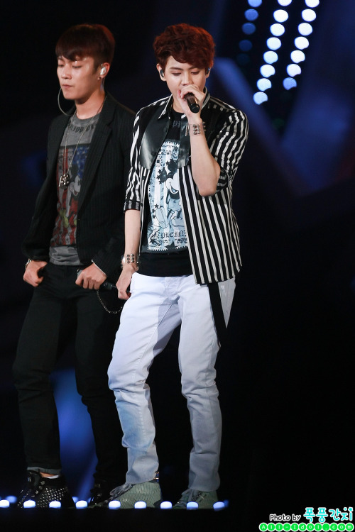 b2staus:  [130511]  Dream Concert  Source: allidolcom