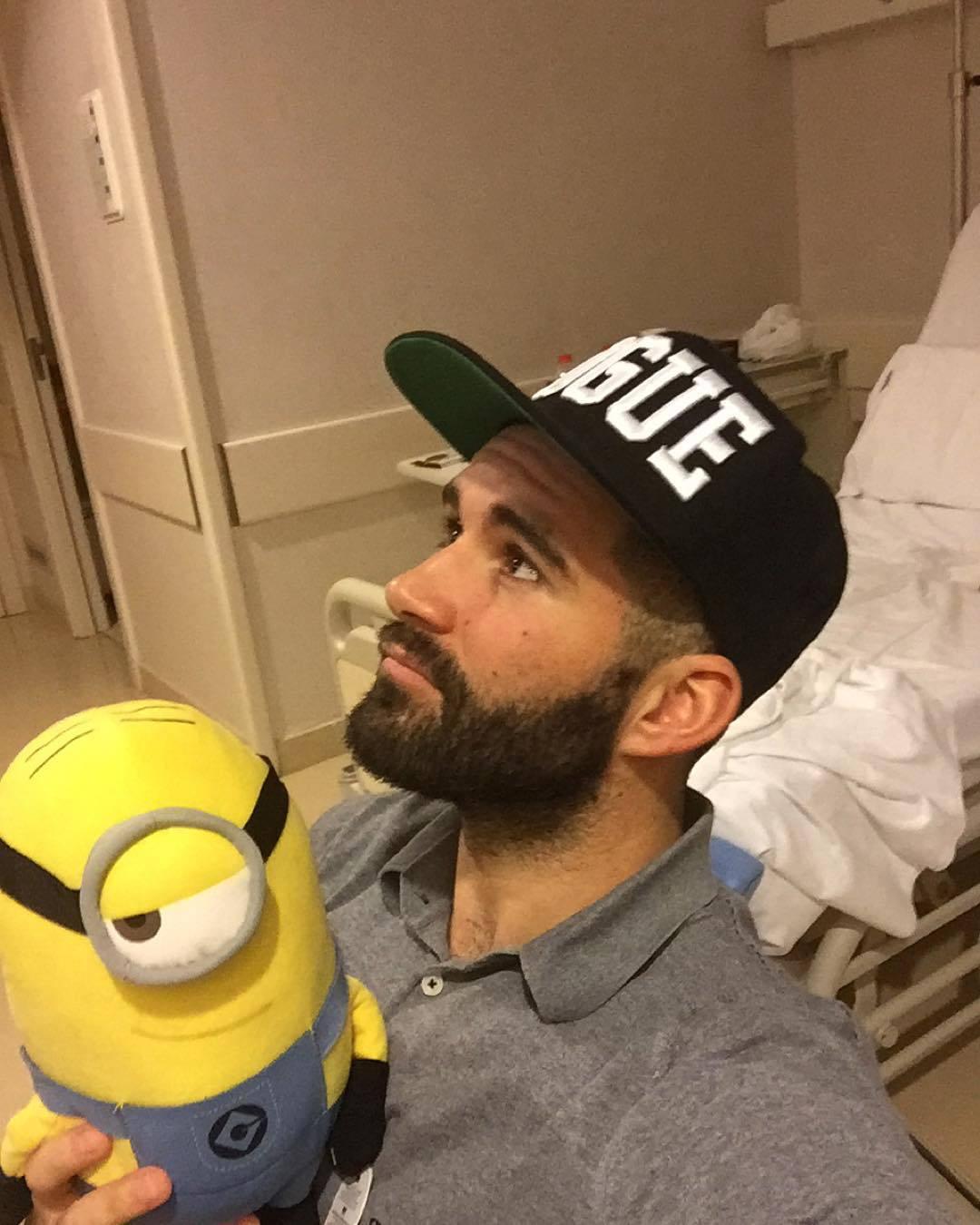 photo : mi nuevo compañero de cama gracias ginuribe beardburnme http://www.neofic.com