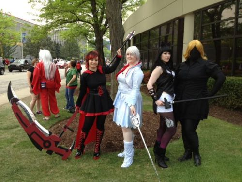 My RWBY group [Team Pantsless Cosplay]! Since Yellow hasn't been released yet, we just went with doing her black silhouette! I'm so happy with how everything turned out. I love my group~