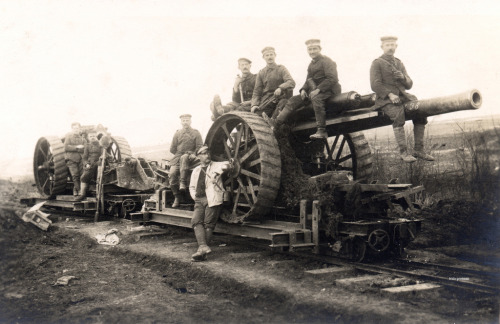 Germans astride a British 'heavy' - a BL 60-pounder (5-inch) gun (by drakegoodman)