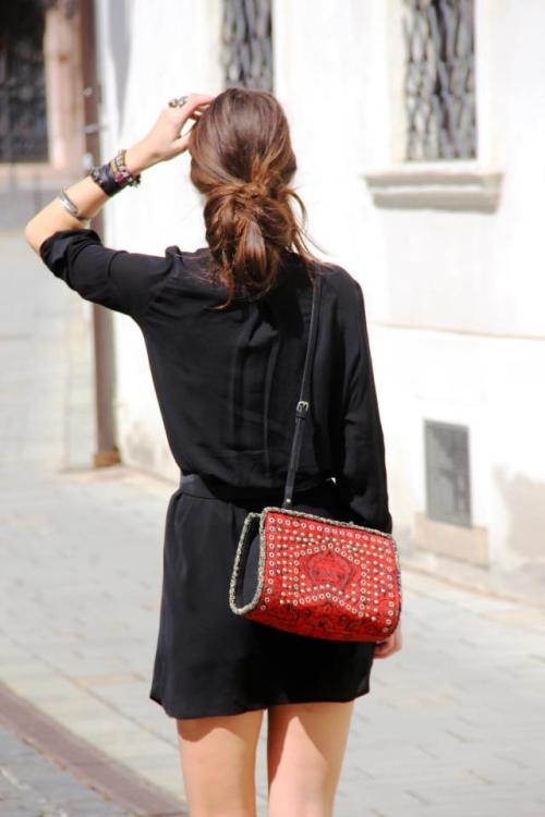 thelittlefashionbox:  the—one:  iwantbigcloset:  Zara People   Inspiration ? here x