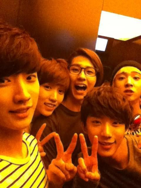 Annyeong! Did I already flood enough b1a4 photos? hoho :3Simple but dazzling! Peace sign :DD