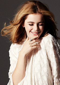 Kiernan Shipka photographed by Dawn DiCarlo for Zooey Magazine, Spring 2013 Issue.  Oh my gosh she's so grown up