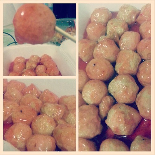 Fishball!!!! And of course the sweet and sour sauce. ♥ grabe sarap! #food #pics #filipino #fishball #sarap