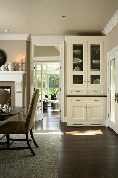 georgianadesign:  Clean traditional with focus on cabinetry. Casa Verde Design.