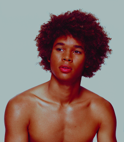 queenofsabah:  talldaddy:  missinglinc:  So gorgeous.  www.talldaddy.tumblr.com/archive  Il est trooooop mignon !!! Et beau. 😍😍😍