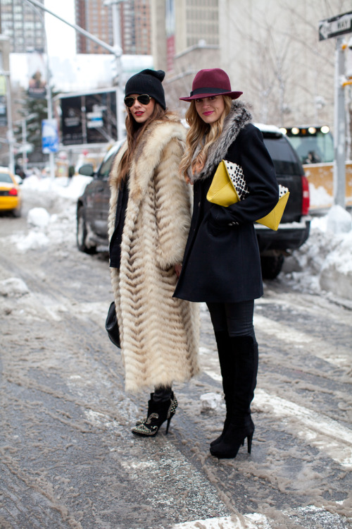 harpersbazaar:  New York Fashion Week Street Style Photo credit: Diego Zuko