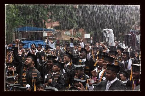 stereoculturesociety:  Graduates greet President Obama in pouring rain during today's Morehouse College Commencement Ceremony in Atlanta, GA. #obama #blackhistory #HBCU