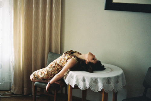 tiptoethroughthesky:  A SHE on the table (by -dreamandawake-)