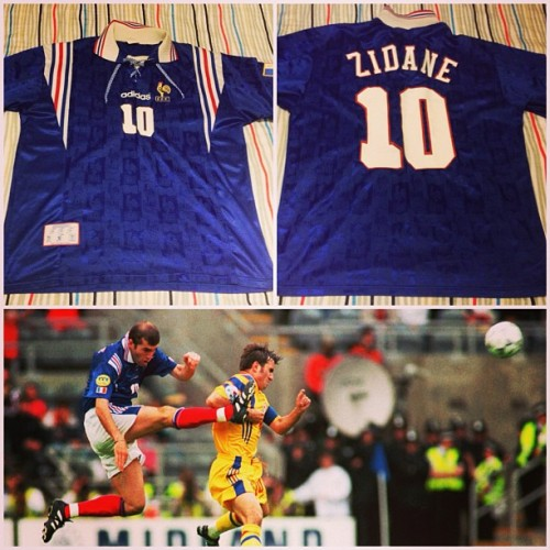 "France 1994-1996 adidas Home top with ""Zidane 10"" print. These haven't been manufactured since the late 90's. 👌"