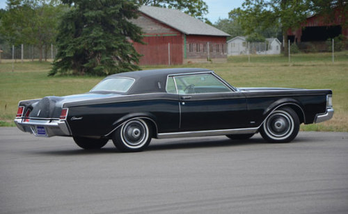 oldschooliscool:  1969 Lincoln Continental Mark III