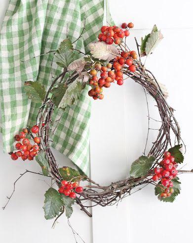umla:  (via | Wreaths)