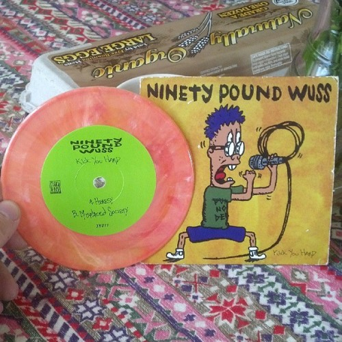 "I've never see a 5"" record before. Have you? #ninetypoundwuss #5inrecord #toothandnail #soclassic #punk #lifechanging #1996 #90lbwuss"