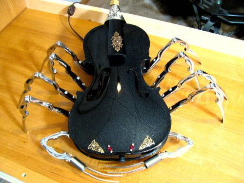 steampunktendencies:  Black Steampunk Scorpion Accent Light  Facebook | Google +|Twitter  Steampunk Tendencies Official Group