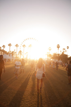 I miss coachella :( best weekends ever
