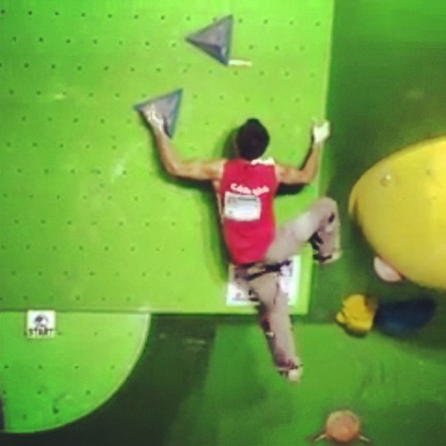 Love that I can watch live streaming World Cup rock climbing from my phone #ifsc #bouldering