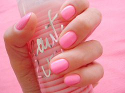 crazyboutpink:  pink | Tumblr on We Heart It - http://weheartit.com/entry/52238025/via/pinkimpon Hearted from: http://gucci-dream.tumblr.com/post/42993513187