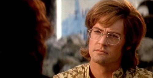 Kyle MacLachlan as Ray Manzarek in The Doors (1991)
