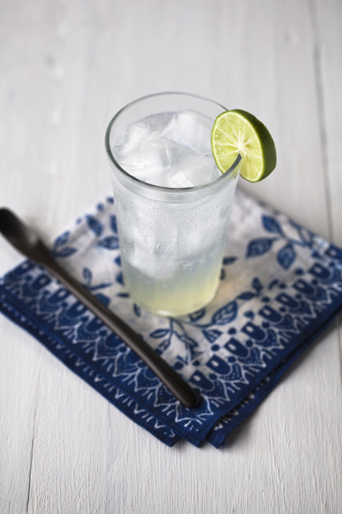 noperfectdayforbananafish:  (via Yummy Supper: FRESH LIME FIZZ)