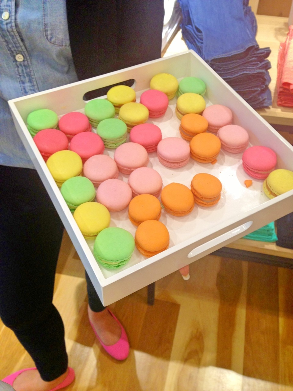 samisglam:  Free macaroons at the new J. Crew.