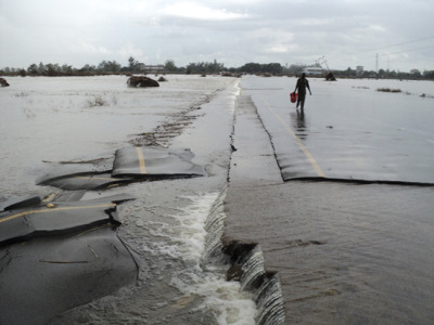 Photo: Massive floods destroyed roads and forced 150,000 people to leave their homes behind. Mozambique 2013 © MSF MSF Launches Emergency Response to Mozambique Floods The Limpopo River, which flows from South Africa, swelled after several days of heavy rains and flooded Gaza Province. More than 140,000 people have already been displaced from their homes. They are shocked. Most lost everything when they fled. MSF decided to go straight to Chokwe because we knew the situation was dire there. The city was under 1.5 meters [about five feet] of water in some areas. Houses and buildings collapsed, and in some places the electrical system was destroyed. Now people are slowly coming back to their houses to see what is left of them. We set up a health post in the compound of Carmelo Hospital, the only health facility that was still functional. Fortunately the hospital received its monthly supply of antiretroviral drugs the week before the floods. The boxes were still sealed and the drugs were intact. We've got enough supplies for the coming weeks. In two days our team did 400 consultations. We are treating people who were injured in the floods, and we are also making sure that patients with HIVand tuberculosis (TB) are getting their drugs to ensure their treatment is not interrupted. Gaza province has one of the highest HIV-prevalence rates in the country, so it is essential to maintain patients on antiretroviral medicine. Some of them lost their medical files and don't remember which drugs they take. This can complicate the continuity of treatment, but at the same time the patients are coming straight to us for guidance, which shows their remarkable commitment to their health.