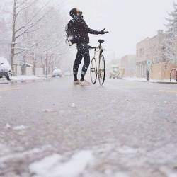 snow winter bike cycling commuter Ciclismo Urbano winter is here