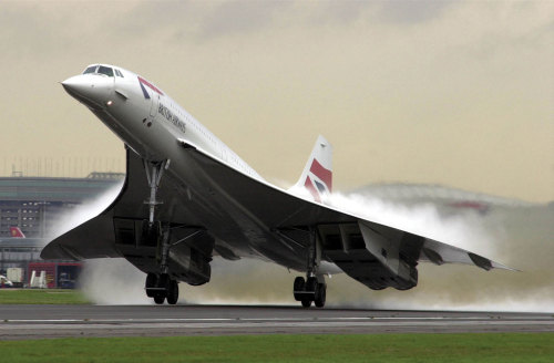 flyingtheskies:  beanyboy:  oh Beautiful Concorde, we miss you  still awesome