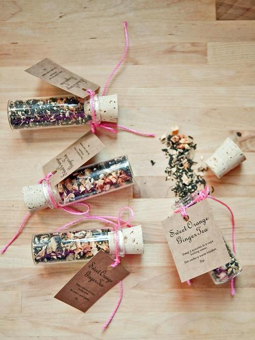 Make custom-mixed sweet orange tea favors via HGTV