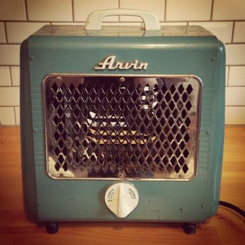 One of today's #estatesalefinds an Arvin heater. #retro #teal #estatesale