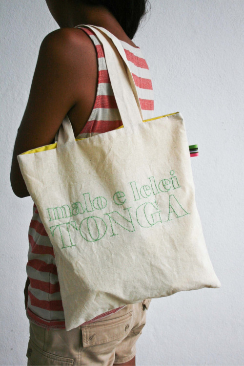 "Malo e Lelei tote bag, handmade in the Kingdom of Tonga. ""Buy locally made products and support our economy"". (photo by tanya edwards)"