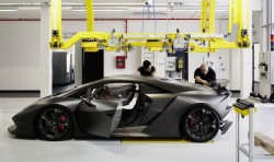 automotivated:  Lamborghini Sesto Elemento Production
