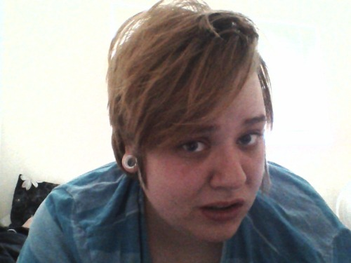 GUYS. MY HAIR TODAY. sdlfkjsal;dkfjasd. I am so beautiful when I wake up. DUH.