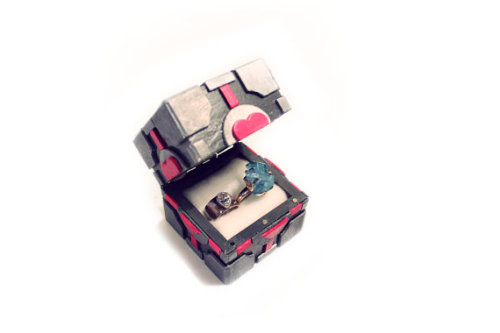 (via Companion Cube Inspired Ring Box by BitsWithByte on Etsy) my friend makes the coolest stuff.i might be making tardis engagement boxes with her when i'm back from europe.