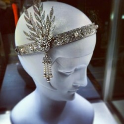 Tiffany headpiece that Carey Mulligan's character wears in The Great Gatsby the epitome of #vintageglamour! 💋
