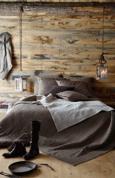sunflowersandsearchinghearts:  Rustic Bedroom via Pinterest