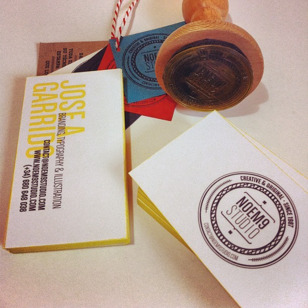 New Rubber Stamp by @elcalotipo and Business Cards with handmade yellow edges #branding #yellow (at Noem9 Studio)