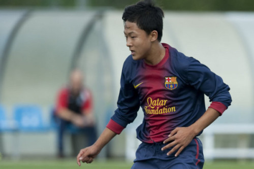 Is This Korean Soccer Prodigy the Next Lionel Messi?   A 15-year-old South Korean phenom is dazzling in the youth ranks of one of the world's best professional soccer teams.