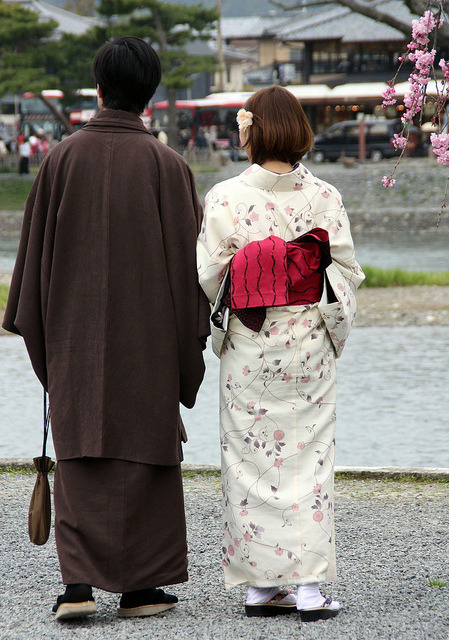 fromthefloatingworld:  Kyoto 2012-Kimonos-Arashiyama by Annie Guilloret on Flickr.