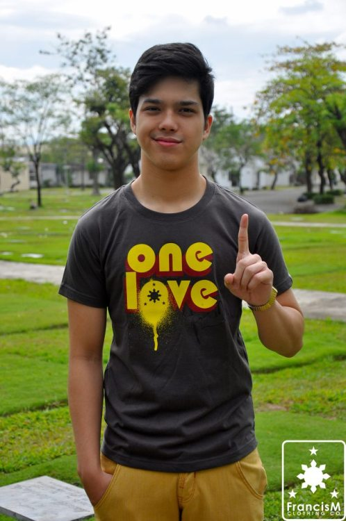 Elmo Magalona with his ONE LOVE shirt. (c) FrancisM Clothing Co (https://www.facebook.com/francismclothing)