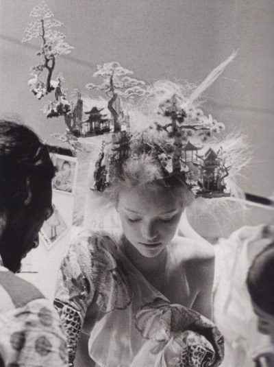 fashionisanotherstory:  Gemma ward backstage at Alexander McQueen, shot by Anne Deniau