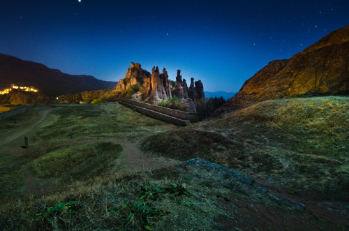 sailaway-fromthesafeharbor:  The Kaleto fortress, Belogradchik, Bulgaria (by inhiu)