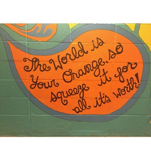 killacamz:  A little motivation from the Flint-Day tunnel 🌎🍊😊 #cuse #finals #almostover