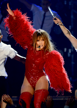 wordsarentmything:    Jennifer Lopez on stage at the Billboard Music Awards - May 19th.