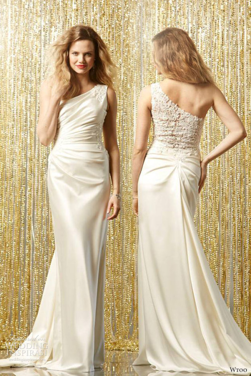 http://www.weddinginspirasi.com/2013/05/10/wtoo-brides-fall-2013-wedding-dresses/2/