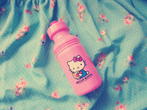 Cute Hello Kitty water bottle I got for $1 at Target :3. So cheap that I couldn't resist!