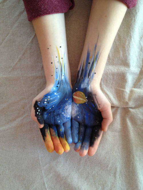 monomolove:  I have the galaxy in my hands -Ingrid