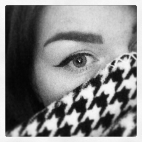 Houndstooth and flicky eyes #vintage