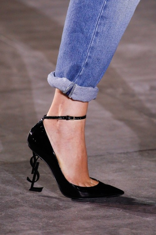 yves saint laurent saint laurent saint lauren paris 2017 plat ysl footwear ysl heels ysl shoes saint laurent shoes fashion high fashion couture style catwalk runway rtw vogue model models